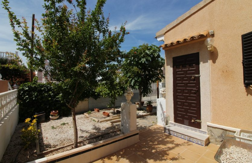 Villa for sale Playa Flamenca with private pool